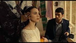 Le film Destino, réalisé par Zangro met en scène Mehdi, un cameraman pour mariages maghrébins qui se retrouve face à son ex-petite amie.
