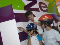 L'émission présentée par Joan Faggianelli est diffusée sur la chaîne Gulli du lundi au vendredi depuis le 29 octobre 2007. Le 9 février dernier, le petit Islam est recalé à cause de son prénom.