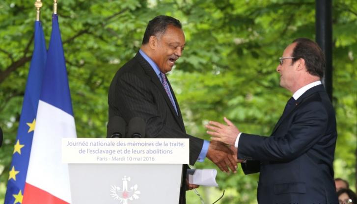 Le président François Hollande et le révérend Jesse Jackson à l'occasion de la journée de commémoration de l'abolition de l'esclavage. © Présidence de la République.