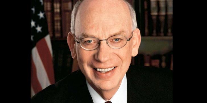 Etats-Unis : sur son lit de mort, un sénateur républicain s'excuse auprès des musulmans