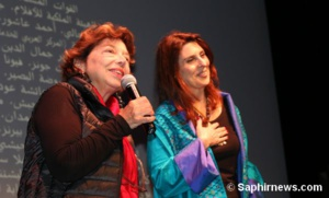 La réalisatrice du film « 3000 nuits » Mai Masri (à dr.) aux côtés de Leila Shahid, l'ex-ambassadrice de la Palestinine auprès de l'Union européenne.