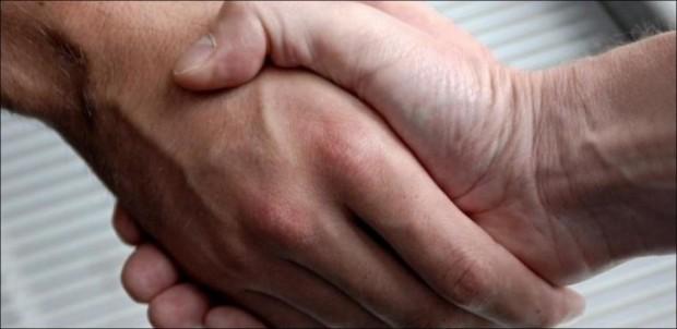Suisse : les élèves musulmans obligés de serrer la main de leur professeur