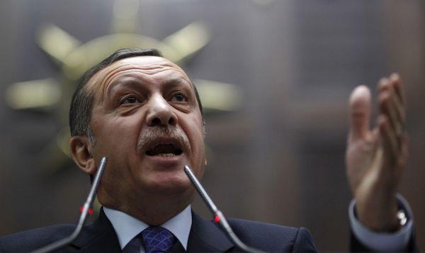 Véxé, Erdogan écourte sa présence aux obsèques de Muhammad Ali
