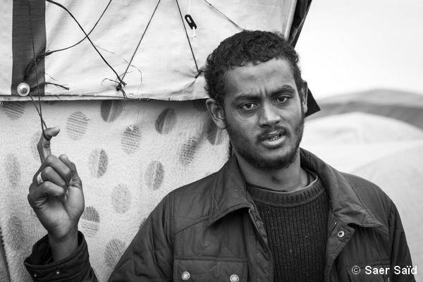 Taieb, Soudanais, dans la « jungle » depuis plus de six mois. © Saer Saïd