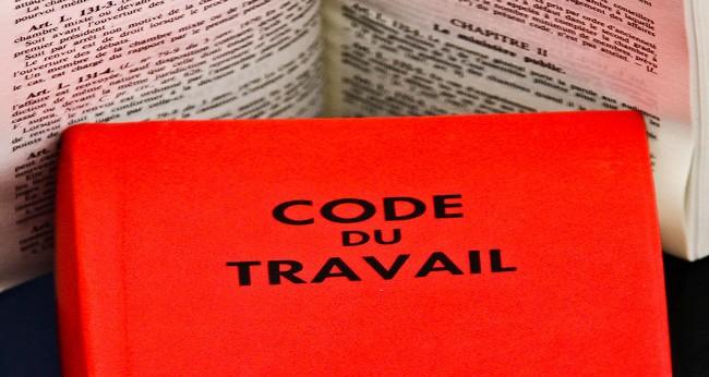 Laïcité : deux institutions exigent le retrait d'un article de la Loi travail