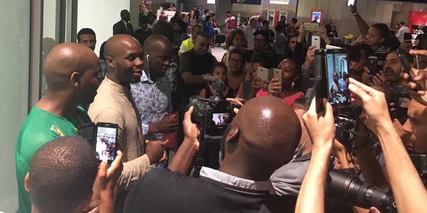 L'arrivée de Moussa Tchantchuing à l'aéroport de Roissy. Source : Facebook FreeMoussa.
