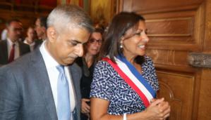 Le maire de Londres, Sadiq Khan, et la maire de Paris, Anne Hidalgo. © Saphirnews