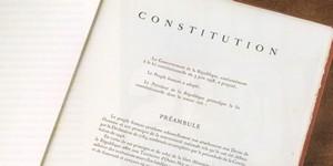 Rendre l'illégal légal ? La controverse autour du burkini est loin d'être terminée