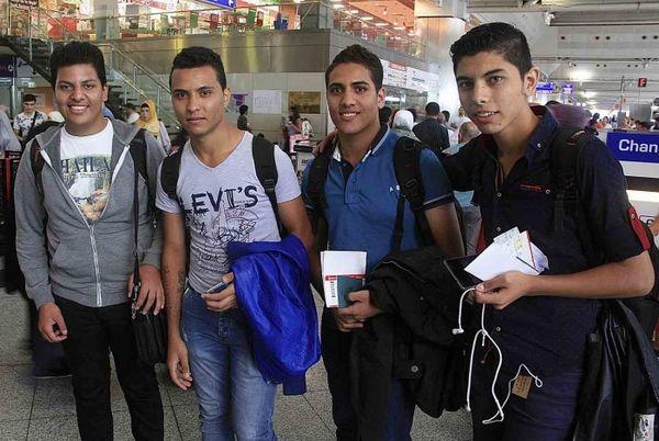De gauche à droite : Moller Yasa, Klenton Faragalla, Bassem Younan and Albir Shehata à l'aéroport Ataturk d'Istanbul. © Morning Star News