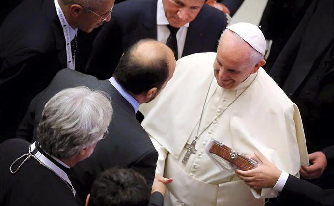 Des familles de victimes de l'attentat de Nice et des représentants politique et religieux de la ville ont été reçues par le pape François samedi 24 septembre.