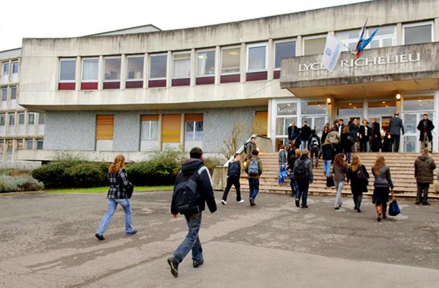Comment l'école amplifie les inégalités sociales et migratoires en France