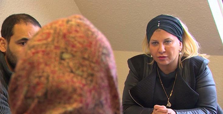 Dirigé par Dounia Bouzar, le Centre de prévention des dérives sectaires liées à l'islam (CPDSI) a ouvert ses coulisses à la réalisatrice Marie-Castille Mention Schaar pour « Le Ciel attendra », un film en salles depuis mercredi 5 octobre. © CPDSI