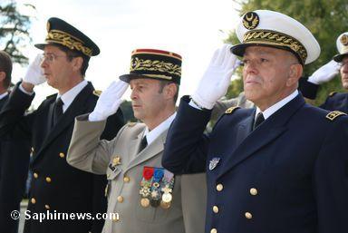 L'aumônier militaire en chef du culte musulman Abdelkader Arbi (à dr.) aux côtés du général Christian Blanchon et du sous préfet de Verdun Benoît Vidon.