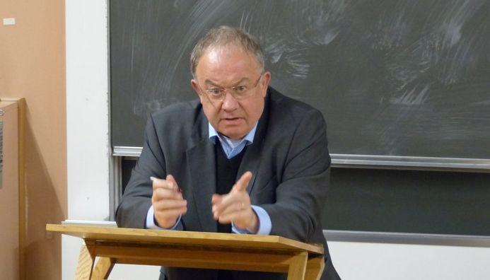 Olivier Roy durant sa conférence à l'Université de Fribourg, en Suisse. © 2016 Thomas Jammet
