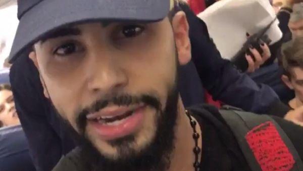 Le Youtubeur américain Adam Saleh affirme avoir été débarqué d'un avion pour avoir parlé l'arabe.