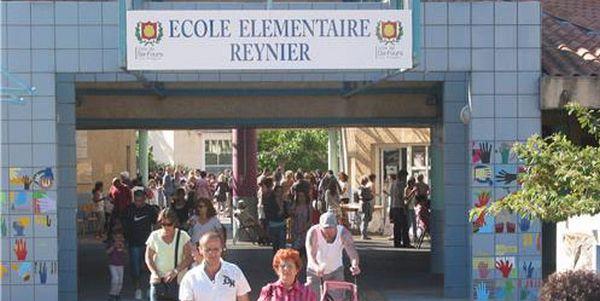 Var : opposé à un cours d'arabe, un maire envoie la police à l'école