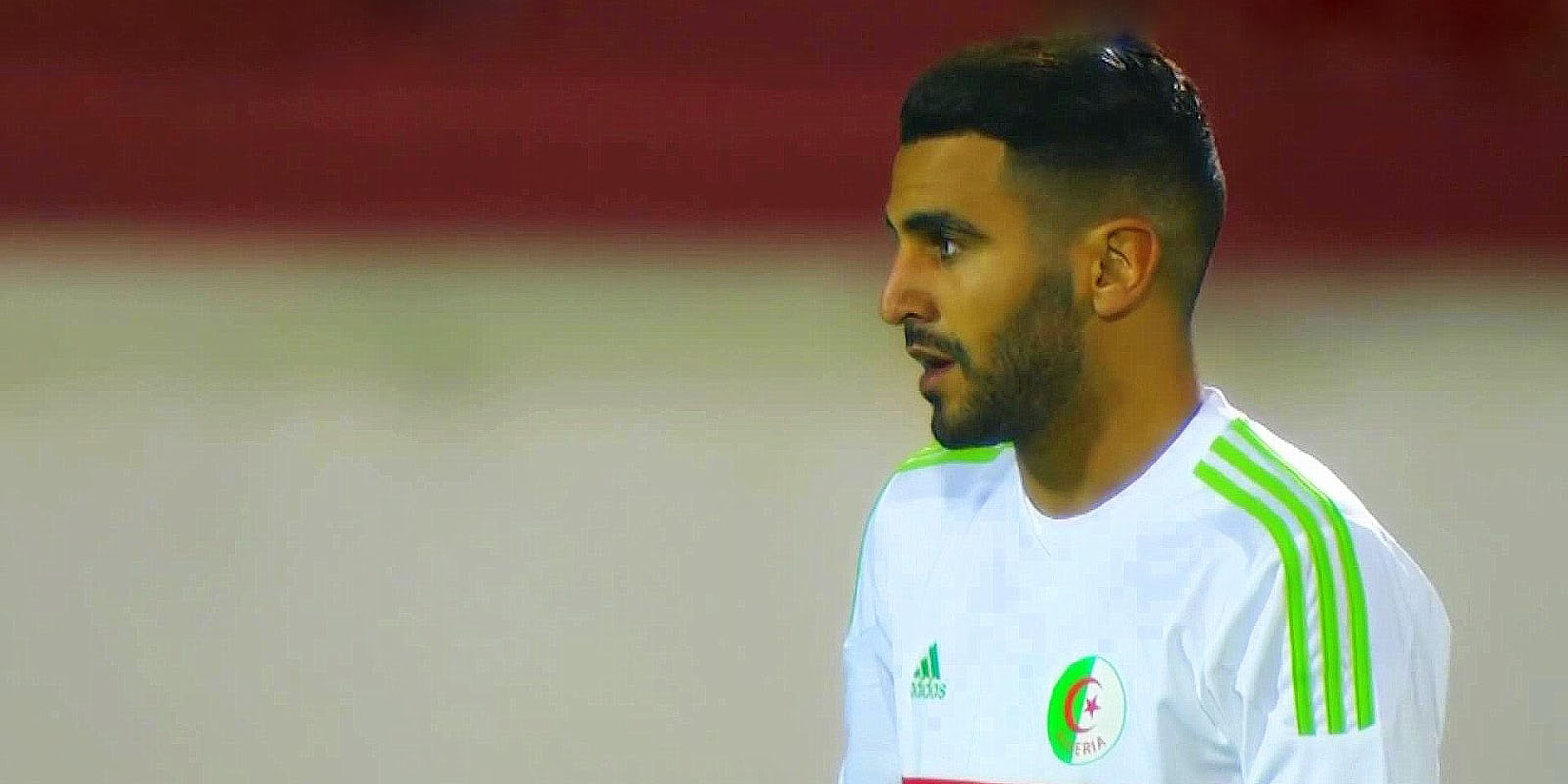 Riyad Mahrez, élu Ballon d'Or africain 2016.