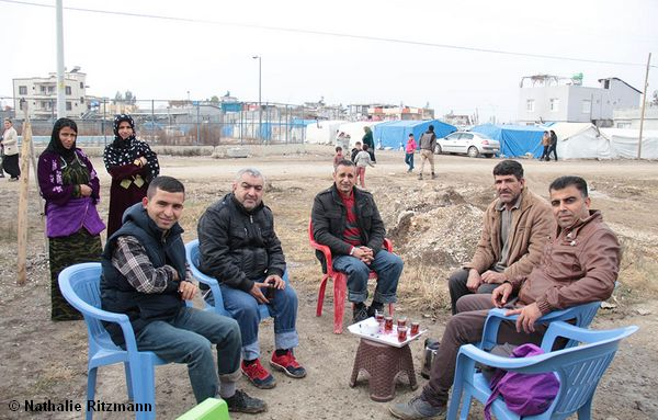 De gauche à droite İzzedin, Cemo, Fatih et Haci tout à droite.