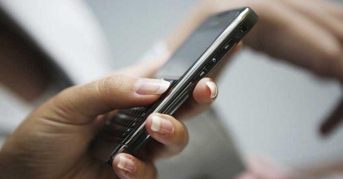 Téléphone portable : halte à la nomophobie ! Et si vous le lâchiez une journée ?