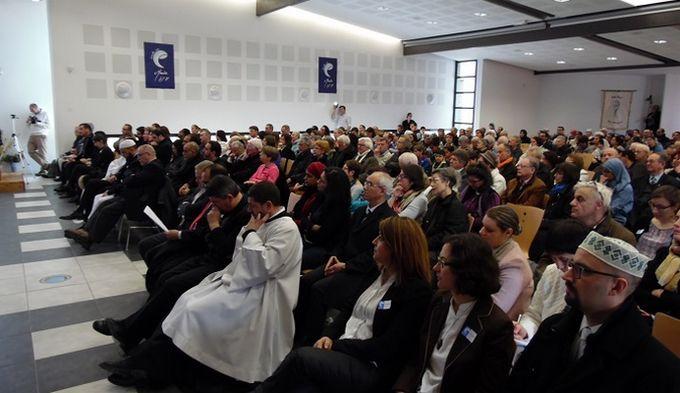 Quelque 400 personnes ont participé à l'événement islamo-chrétien Ensemble avec Marie, dimanche 25 mars à Meyzieu. © Abdelmalik Richard Duchaine