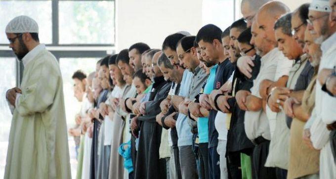 La charte de l'imam à peine dévoilée, des fédérations du CFCM offusquées