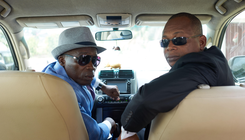 Michel Gohou et Digbeu Cravate dans « Bienvenue au Gondwana »