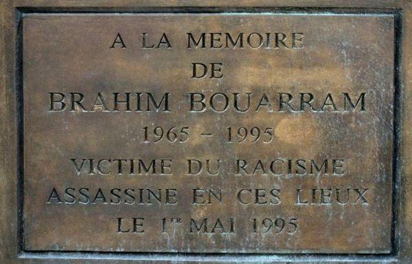 L'hommage de Macron et Mélenchon à Brahim Bouarram, victime de l'extrême droite