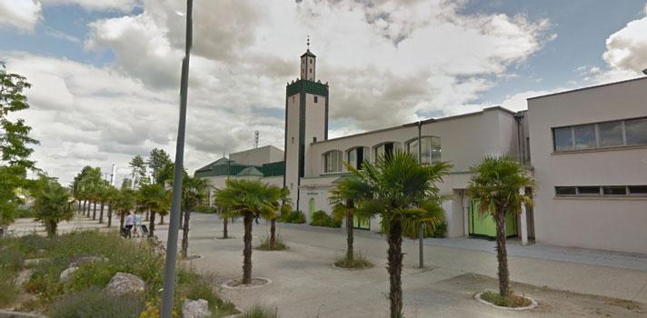 Ali Berka, l'ancien recteur de la Grande Mosquée de Mantes-la-Jolie (ici à l'image) est décédé lundi 5 juin à 74 ans. © Google Map