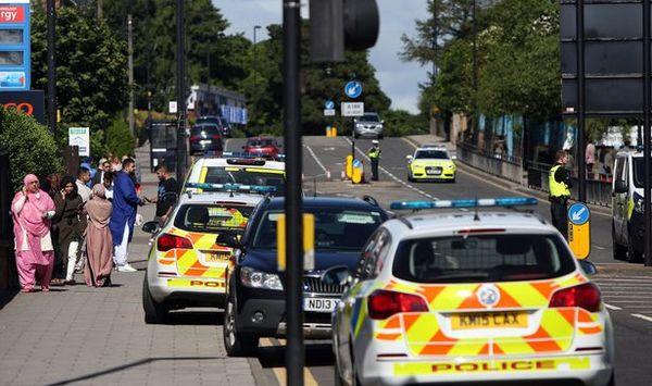 Une voiture a foncé sur des fidèles sortant de la prière de l'Aïd al-Fitr dimanche 25 juin à Newcastle, en Angleterre. © Newcastle Chronicle
