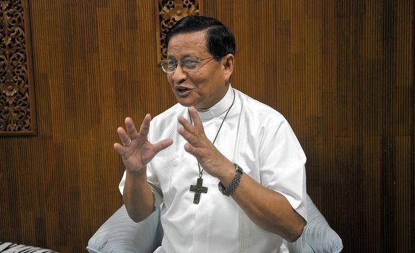 Birmanie : un cardinal s'élève contre les persécutions des Rohingyas
