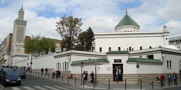 L'islam mal perçu en France ? Grande Mosquée de Paris et UOIF demandent aux musulmans de s'activer