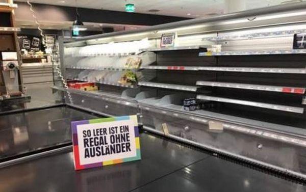 Un supermarché de Hambourg, en Allemagne, a retiré les produits étrangers de ses rayons afin de dire non au racisme. © Twitter/Sven
