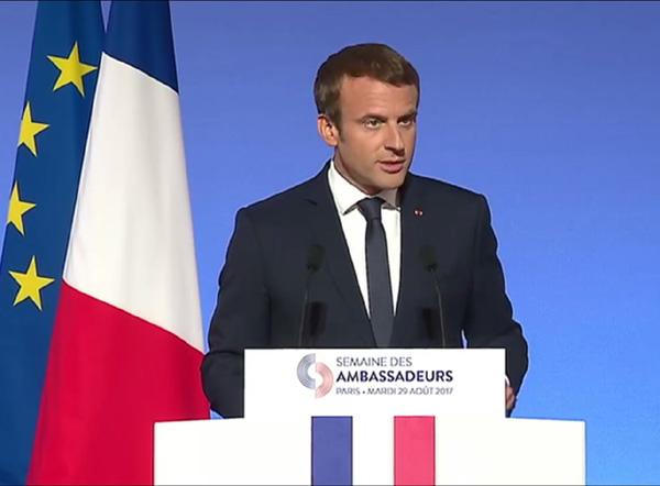 Comment Macron explique et assume l'emploi de l'expression de « terrorisme islamiste »