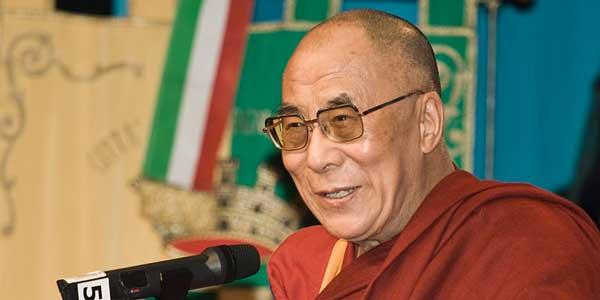 Birmanie : le dalaï lama interpelle Aung San Suu Kyi sur les persécutions des Rohingyas