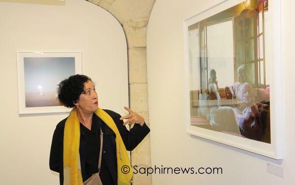 """Farida Hamak, photographe algérienne, présente son exposition """"sur les traces""""."""