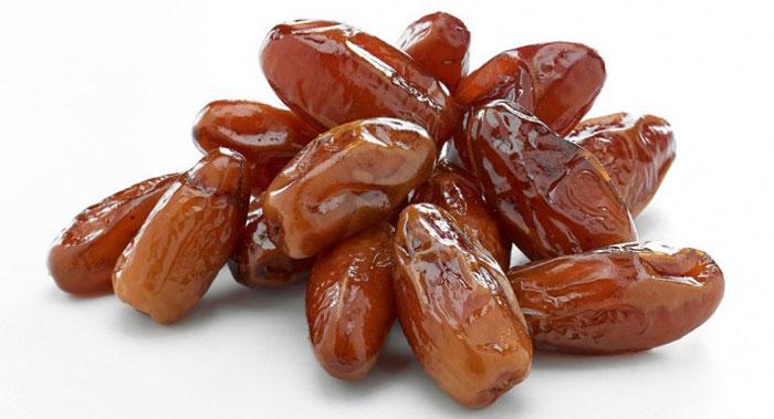 La datte fait partie des aliments traditionnels du repas de Rosh Hashana (nouvel an juif). Elle est aussi très présente dans la culture musulmane, notamment chaque soir à l'occasion de la rupture du jeûne pendant le mois de Ramadan. (Photo : D. R.)