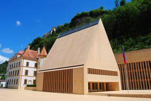 À Vaduz, le bâtiment du Parlement du Liechtenstein (© 2014 Sain Alizada | Dreamstime).