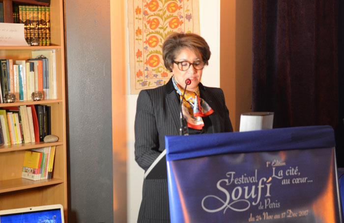 « L'art et la culture sont plus que des supports, ils sont aussi des moyens d'expression d'une foi parfois sublimée, parfois transgressée », déclare Bariza Khiari, lors de l'inauguration du Festival soufi de Paris, le 24 novembre 2017. (Photo : © Maison soufie)