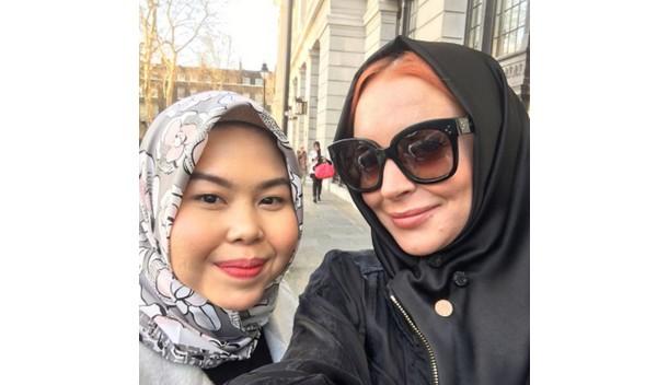 Lindsay Lohan lors de la Modest Fashion Week à Londres les 17 et 18 février. © Tikamulya/Instagram