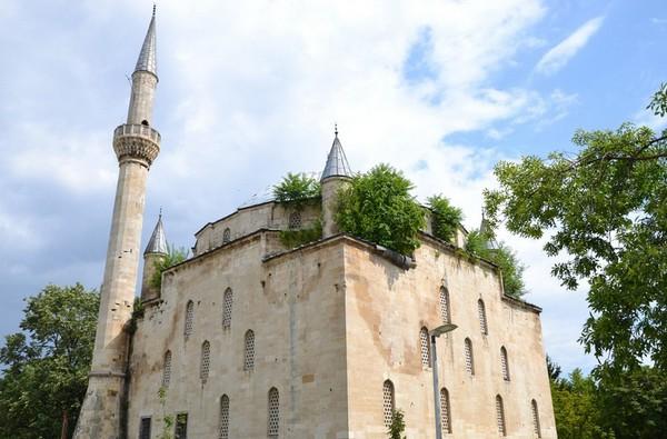 En Bulgarie, la mosquée Ibrahim Pacha, une bâtisse vieille de 500 ans, reste l'une des plus importantes œuvres architecturales ottomanes encore debout à notre époque.