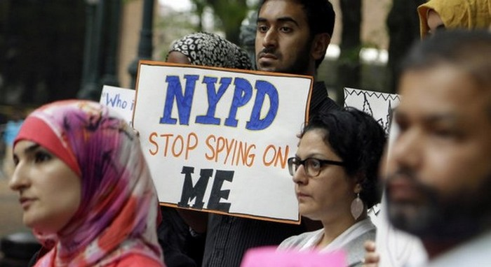 Stop l'espionnage basée sur la religion : victoire pour les musulmans contre la police de New York, cinq ans après l'enclenchement des poursuites judiciaires contre la ville. © NCPCF