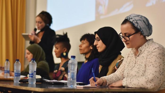 Le premier colloque international sur la thématique des afroféminismes et féminismes musulmans a été organisé à l'Université Libre de Bruxelles (ULB) les 20 et 21 avril. © Amal El Gharbi