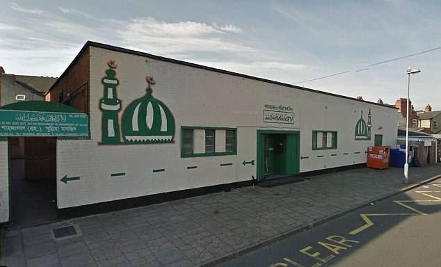 Birmingham : des piétons renversés devant une mosquée, la piste terroriste écartée