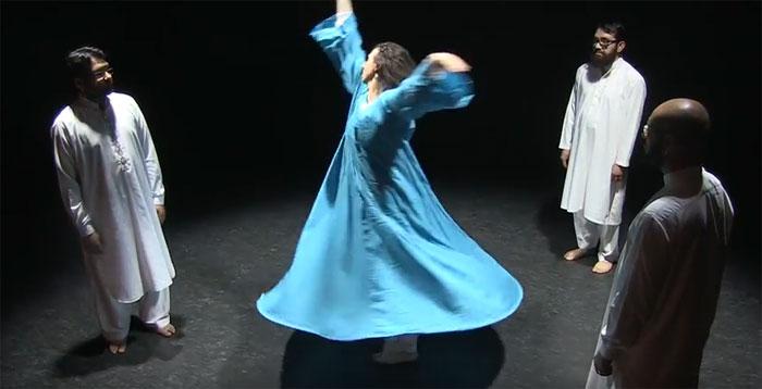 « Ton chant est prière, et cette prière est ma danse », lit-on dans la présentation du spectacle Noor des musiciens Shuaïb, Hubaïb et Behlole Mushtaq et de la danseuse Alexia Martin. Ils font partie de la programmation des Iftars de l'ICI, qui se tiennent les 19 mai, 26 mai, 2 juin et 9 juin, à l'Institut des cultures d'islam.