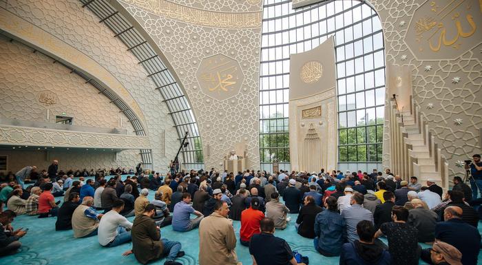 A l'image, la mosquée de Cologne, en Allemagne.