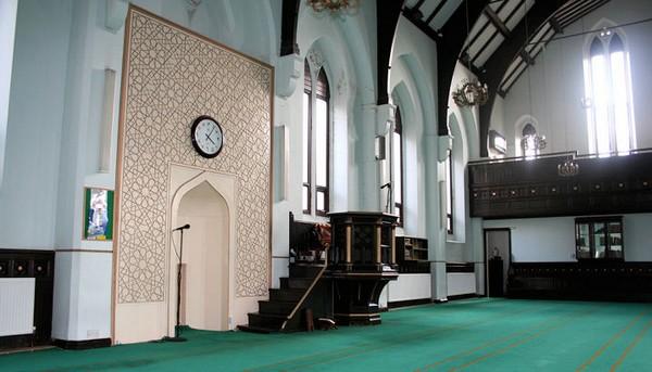 Un imam dans la tourmente après un prêche sur le jihad six mois avant l'attentat de Manchester