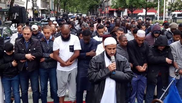 Clichy-la-Garenne : les organisateurs des prières de rue condamnés