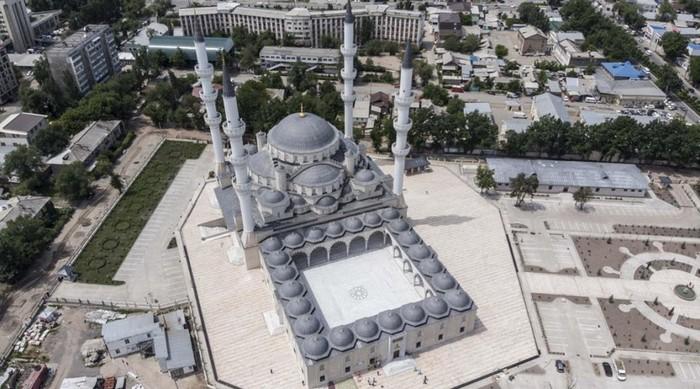 La plus grande mosquée d'Asie centrale, finan...