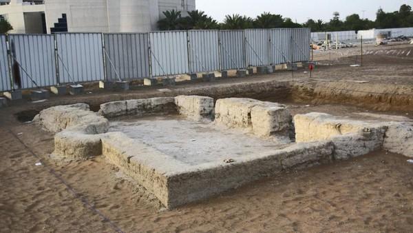 Une mosquée vieille de 1 000 ans découverte a...