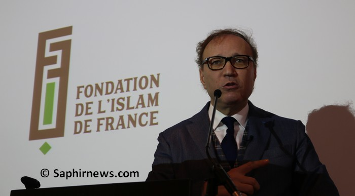 Affaire du foulard à Creil : l'UMF exige des « excuses officielles » de Ghaleb Bencheikh